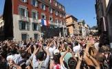 Hugo Lloris được tôn vinh như người hùng ở Nice