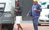 Fred rời khách sạn Lowry với đôi dép 6 triệu đồng