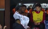 Mất gần 10 phút để vào sân thay người, hậu vệ PSG tỏ rõ thái độ với Unai Emery