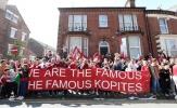 Liverpool khuyến cáo CĐV 'không để lộ thân phận' ở Napoli, tránh nguy hiểm