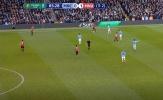 Man Utd đang thất thế, Mata và đàn em 'tấu hài' trên sân Etihad