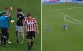 Vì sao 'Maguire thoát thẻ đỏ; Chelsea bị khước từ bàn thắng'?