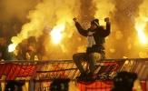 Derby thủ đô Serbia chìm trong biển máu