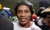 Bị quản thúc, Ronaldinho vẫn làm điều khó tin