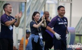 Nữ Trưởng đoàn xinh đẹp Thái Lan ăn mừng chiến thắng đội nhà