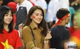 Fan nữ cực xinh thả tim mừng chiến tích sau 10 năm Việt Nam vào chung kết