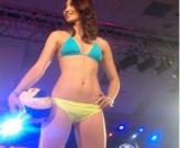 Ngắm vẻ sexy táo bạo của VĐV đẹp nhất Philippines