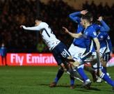 Alli lại ngã đẹp nhưng Tottenham vẫn không thể thắng đối thủ 'hạng lông'