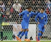 Paulinho tiếp tục thể hiện duyên ghi bàn khi lên tuyển