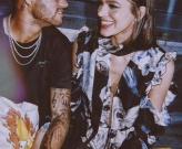 Neymar yếu đuối lạ thường bên cạnh người yêu