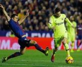 Highlights: Levante 0-5 Barcelona (Vòng 16 La Liga)