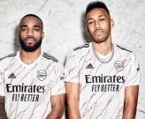 Arsenal giới thiệu mẫu áo mới cực chất