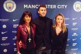 Alexia Laporte, em gái xinh đẹp của trung vệ thép Man City