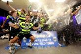 Màn ăn mừng của tân binh Premier League trong ngày thăng hạng