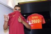 Cầu thủ thứ hai của Sassuolo đặt chân đến Roma