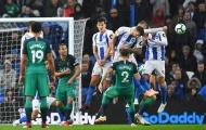 Xuất hiện pha đấm bóng 'chuyên nghiệp' của tiền đạo Brighton trước Tottenham