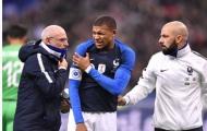 Tuyển Pháp bàng hoàng với hình ảnh Mbappe đau đớn trên sân