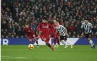 Song tấu 'Messi' tỏa sáng, Liverpool chào đón Benitez bằng cơn mưa bàn thắng