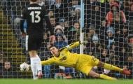Dàn sao Man City nản lòng trước 'De Gea' của Burnley