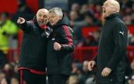Mike Phelan đang làm gì tại Man United?