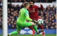 Salah đá bay vị trí đầu bảng của Liverpool sau tình huống này