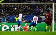 Dzeko bỏ lỡ không tưởng, Roma thất bại đau đớn trước Porto sau 120 phút siêu kịch tính