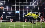 Hàng thủ Ajax chết lặng với pha bay người đẳng cấp của Ronaldo