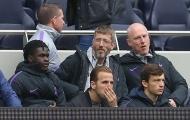 Harry Kane không tin vào mắt mình khi Tottenham thua sốc ở vòng 36 EPL