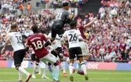 Thủ môn mắc sai lầm ngớ ngẩn, Derby County vuột mất 170 triệu bảng vào tay Aston Villa