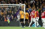 13 hình ảnh ấn tượng nhất vòng 2 EPL: Man Utd 'chết lặng' bởi Neves