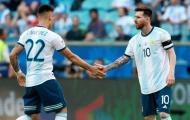 Cựu sao Barcelona: 'Thi đấu bên cạnh Messi không dễ dàng'