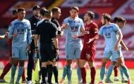 Bị từ chối 11m, hai sao Liverpool văng tục, chửi thề với trọng tài