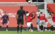 Gary Neville: 'Thật là rác rưởi, Pogba đã làm theo bản năng'