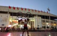 CĐV đạp xe 1.400 km đi 'tiếp lửa' cho Thái Lan tại Mỹ Đình