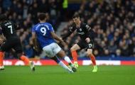 Fan Chelsea: 'Tại sao cậu ấy lại phải ngồi dự bị?'