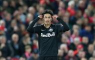Vừa volley ''cháy lưới'' Adrian, sao Nhật Bản đã được Liverpool đưa vào tầm ngắm