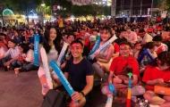 Việt Nam vô địch, hàng ngàn CĐV ăn mừng chiến thắng tại phố đi bộ Nguyễn Huệ