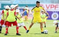 Điểm tin bóng đá Việt Nam sáng 28/05: Tuyển thủ U23 Việt Nam tặng quà 1/6 cho trẻ em