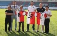 Đội bóng của Robin Van Persie đặt vấn đề hợp tác với HAGL