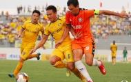 Đức Chinh, Mạnh Hùng bất lực ngăn cản SLNA đánh bại SHB Đà Nẵng