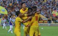 Hạ SHB Đà Nẵng, Nam Định khiến Quảng Nam 'đội sổ' lượt đi