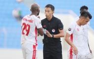 HLV Lê Huỳnh Đức: 'Nếu trọng tài cứng hơn, tiền đạo Hải Phòng phải nhận thẻ đỏ'
