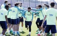 Messi trở lại tập luyện, ngay lập tức bị đồng đội trừng phạt