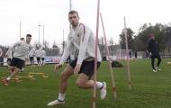 Lỡ cơ hội đến Chelsea, Dzeko vẫn tập luyện tích cực cùng AS Roma