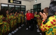 Fernando Torres và đồng đội được chào đón cuồng nhiệt tại châu Phi