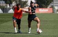 Gareth Bale khoe cơ bắp khủng trên sân tập