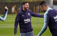 Chưa trở lại tuyển Argentina, Messi vui vẻ cùng đồng đội tại Barca