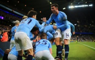 Kompany nã đại bác cháy lưới, Man City hủy hoại hy vọng vô địch của Liverpool