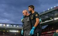 'Thần hộ mệnh' của Liverpool tỏa sáng và dính chấn thương lãng xẹt