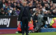 Pha ăn mừng quen thuộc của Mourinho và những khoảnh khắc ấn tượng vòng 13 NHA